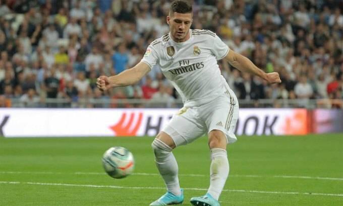 Tiền đạo Real Madrid nghỉ tới hết mùa