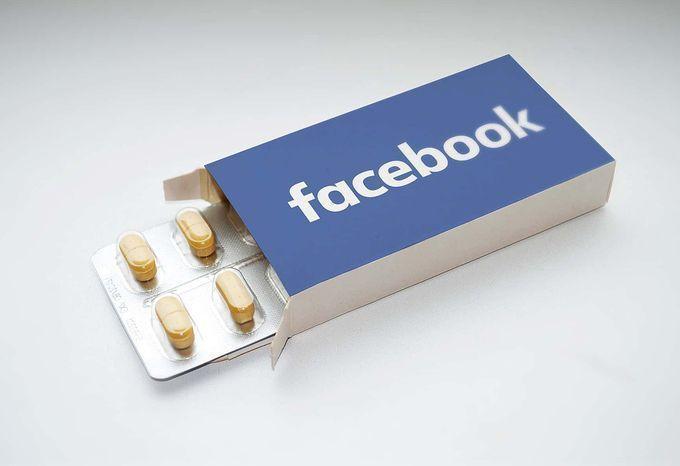 Facebook bị tố 'dung túng' nội dung bất hợp pháp