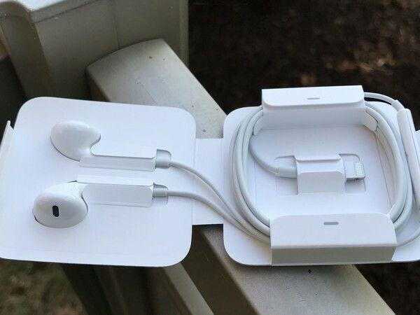 iPhone 12 có thể không tặng kèm tai nghe