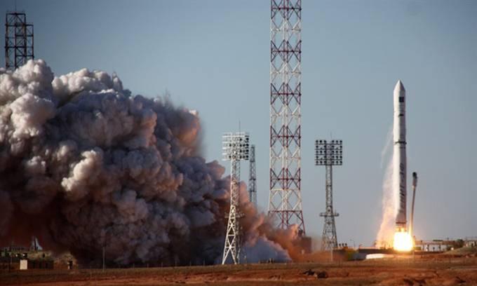 Tên lửa Nga vỡ vụn trên quỹ đạo