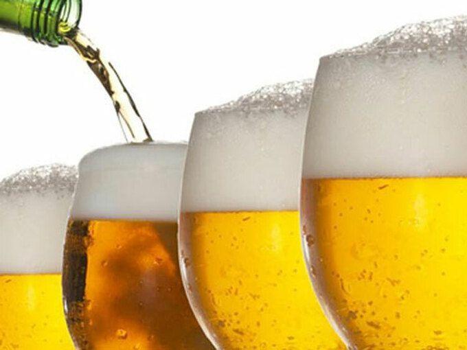 Tại sao trời nóng bia có nhiều bọt hơn?