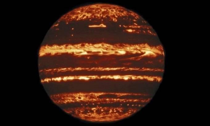 Ảnh chụp sao Mộc sáng rực như đèn lồng