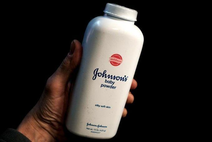 Johnson & Johnson ngừng bán phấn rôm tại Mỹ, Canada