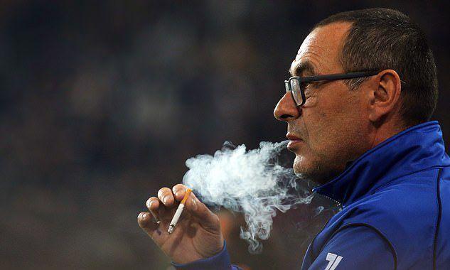 Đội trưởng Juventus ngại vào phòng của HLV Sarri