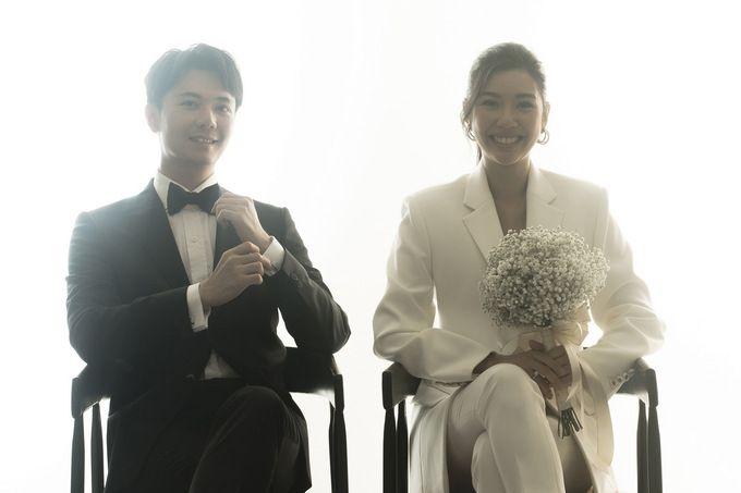 Thúy Vân mặc suit chụp ảnh cưới