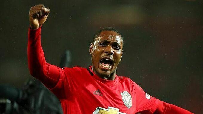 Ighalo phải gia hạn với Thân Hoa Thượng Hải để ở lại Man Utd