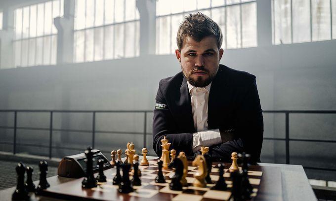 Vua cờ Carlsen vô địch Steinitz Memorial