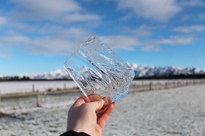 Tại sao nước nóng đông đá nhanh hơn nước lạnh?